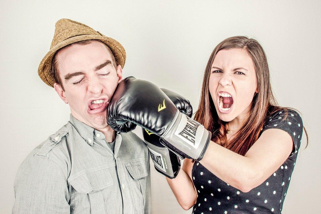 От чего возникают супружеские конфликты?
