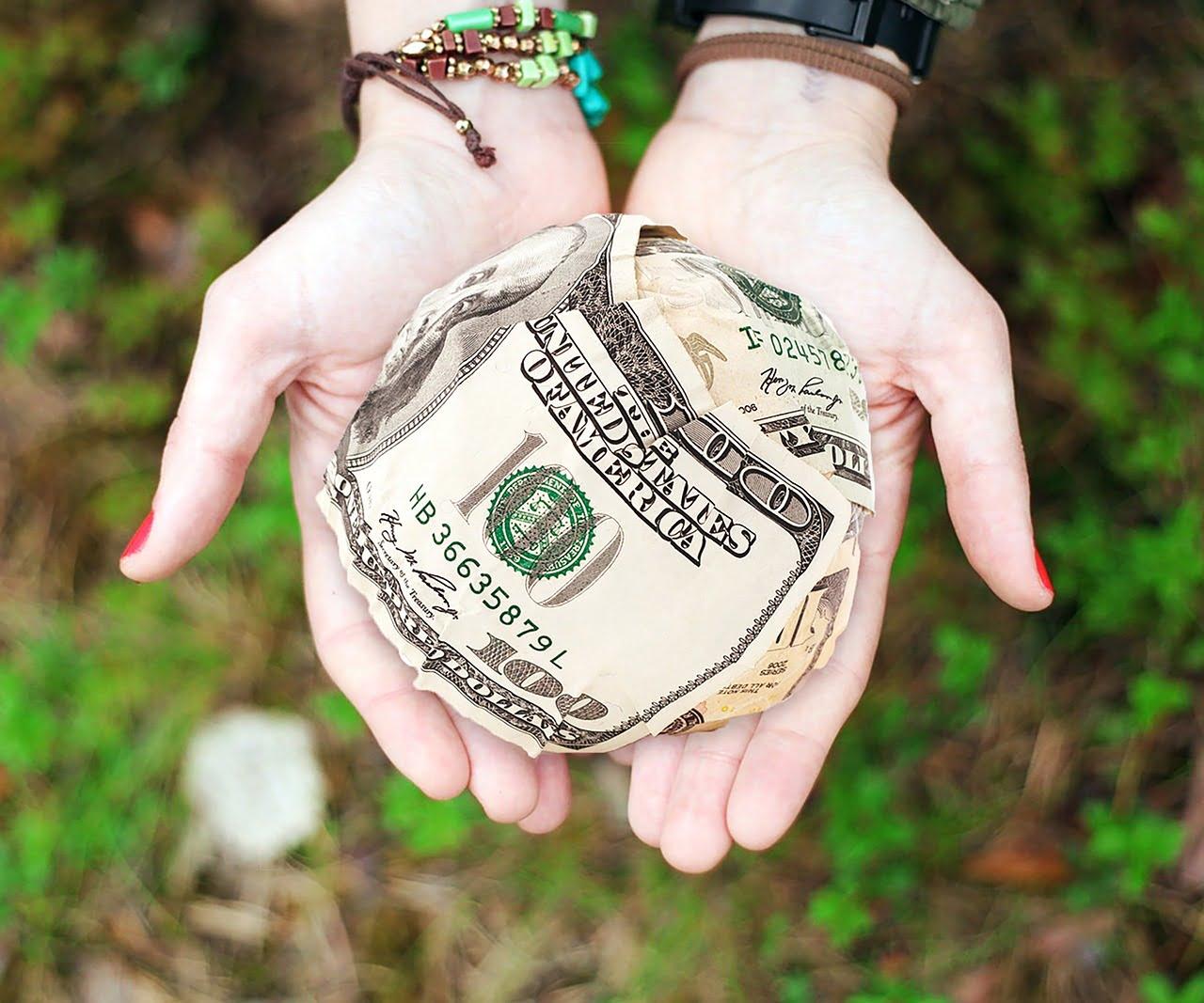 Нужно ли платить своему ребенку за оценки, уборку или помощь по дому?
