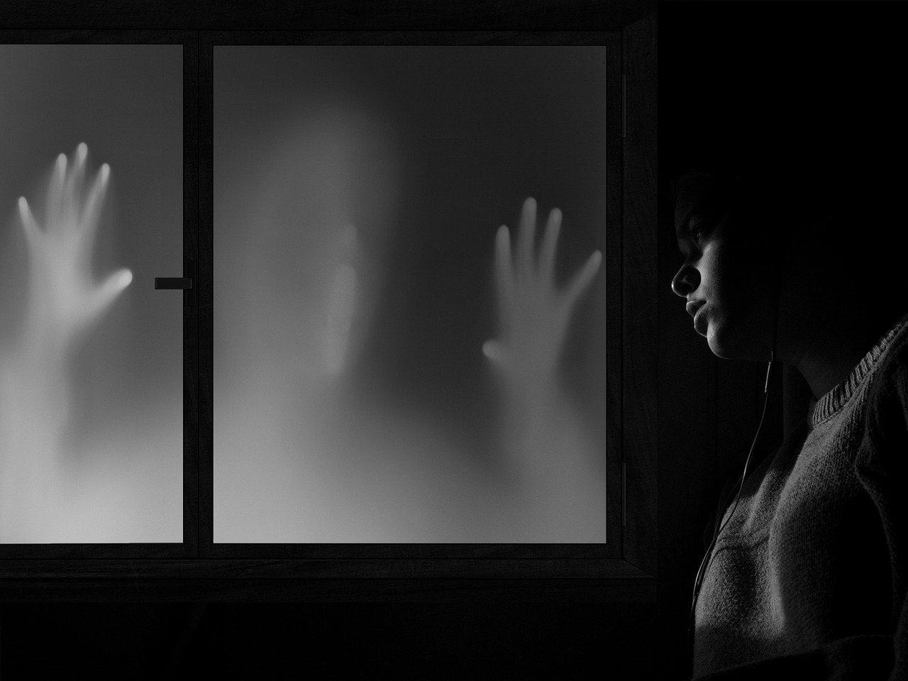 Домашнее насилие калечит личность.